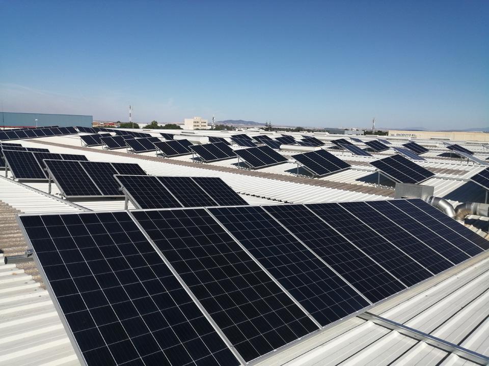 Instalación fotovoltaica para autoconsumo de 99kw.